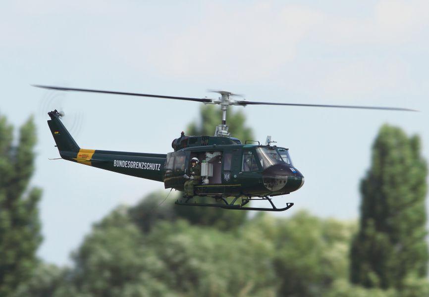 bell 205 uh 1d 1 7 fuselage kit rh vario helicopter biz Bell 412 Bell 204