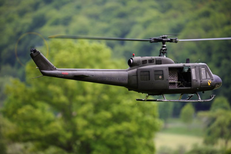 Bell 205 UH-1D 1:6 - Fuselage kitOrd No  2060